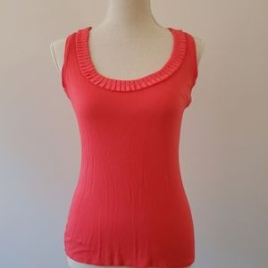 Tahari ruffle hem tank top small